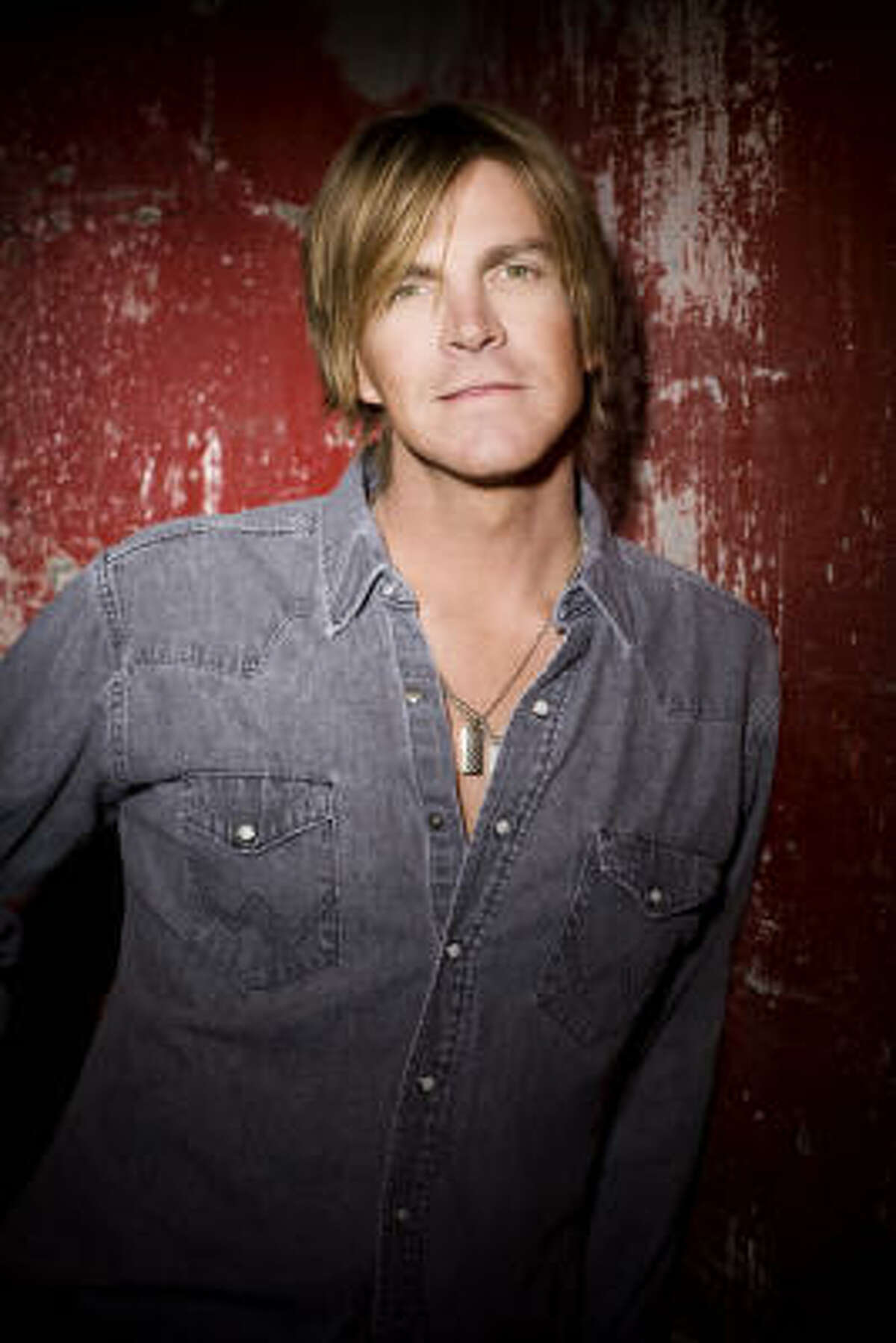 Musician Jack Ingram is pulling out all the stops to promote his latest release, Big Dreams & High Hopes.