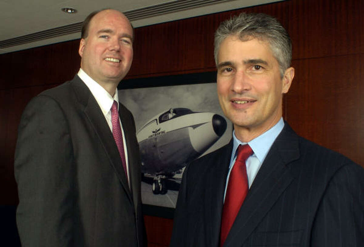 Continental CEO Larry Kellner, left, appeared with President and Chief Operating Officer Jeff Smisek when they assumed those positions in 2004. The airline announced today that Smisek will succeed Kellner as CEO Jan. 1.