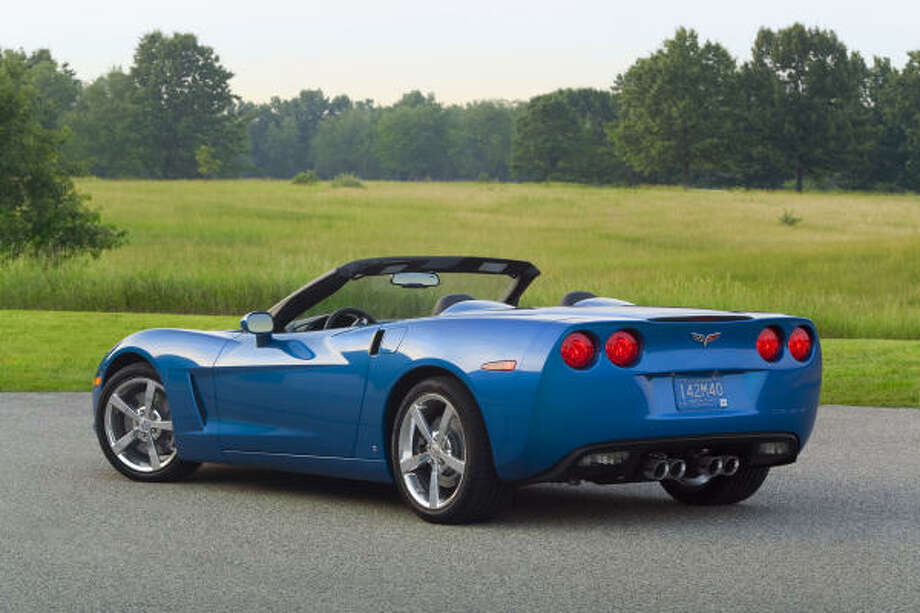 Chevy's 2009 Corvette Convertible's 436-horsepower 6.2-liter LS3 V-8 sends it from 0-60 mph in roughly 4.1 seconds and to a top speed of 186 mph.    Chevy's 2009 Corvette Convertible's 436-horsepower 6.2-liter LS3 V-8 sends it from 0-60 mph in roughly 4.1 seconds and to a top speed of 186 mph. Photo: Wieck