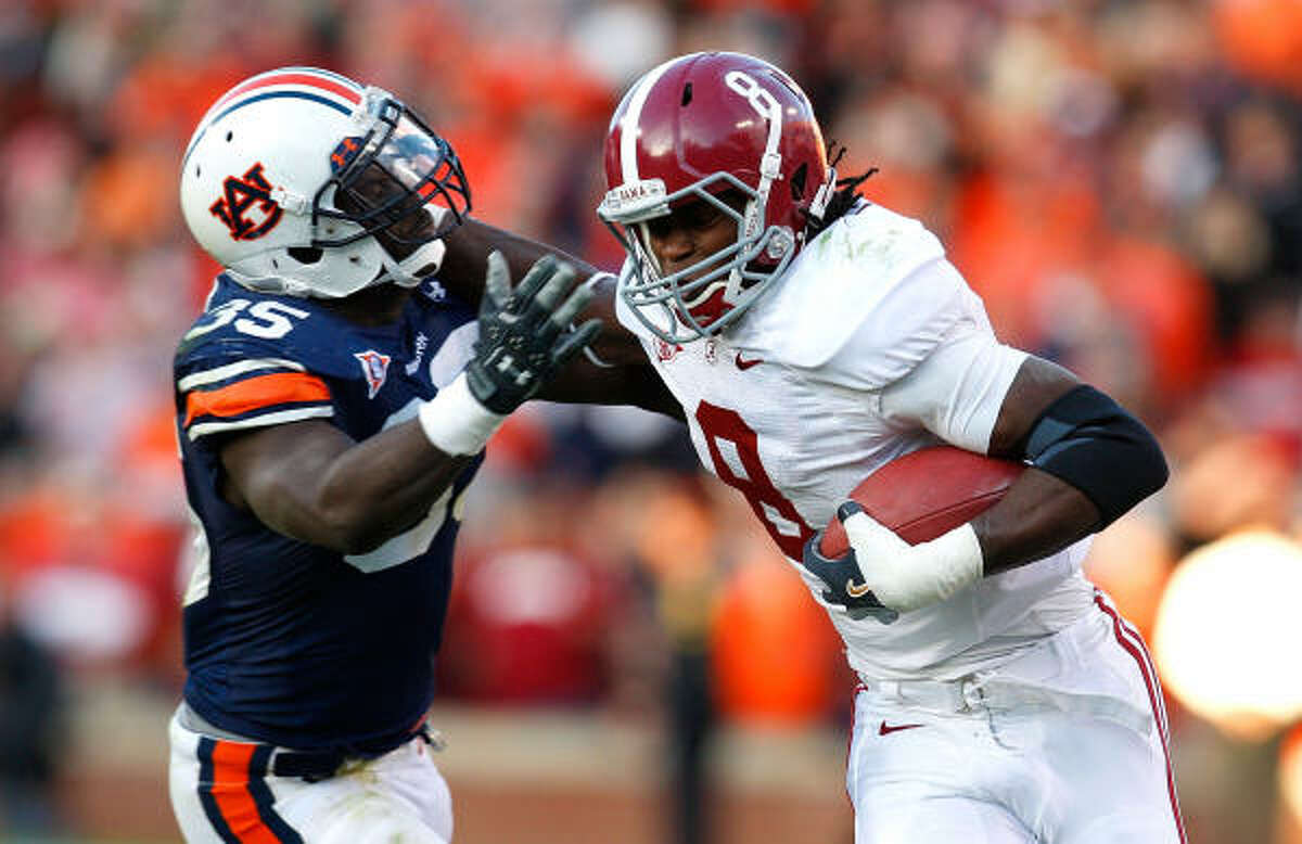 Not thinking about a national championship is the elephant in the room for players like wide receiver Julio Jones.