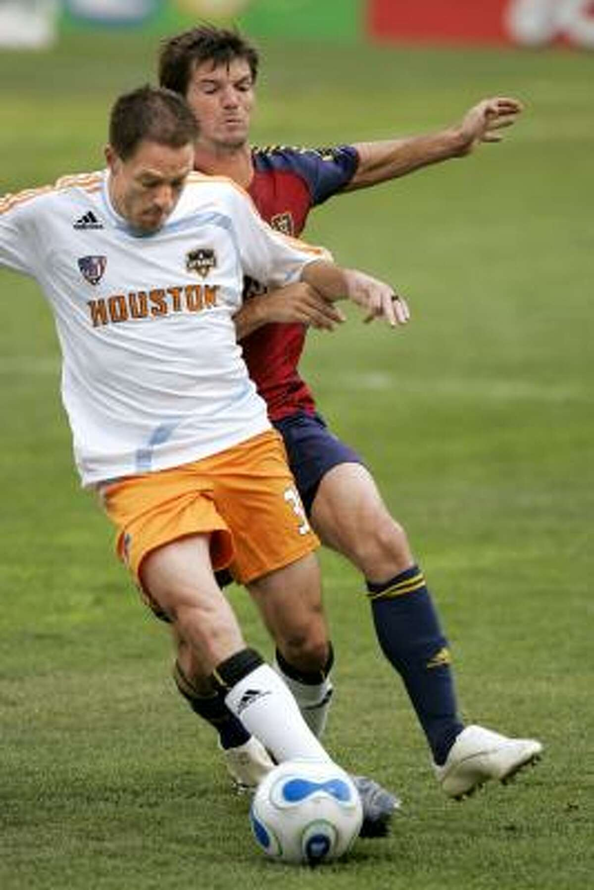 Dynamo midfieler Richard Mulrooney will miss the match against the New York Red Bulls.