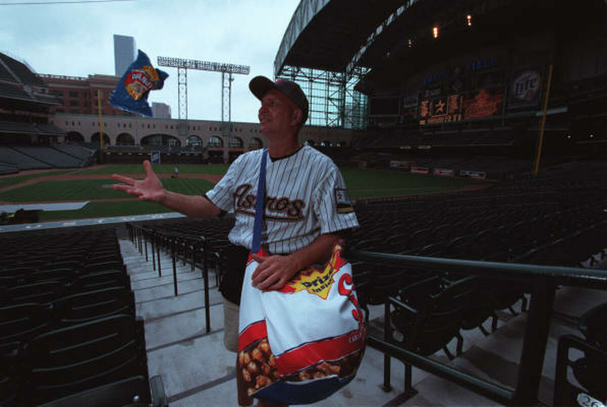 'Peanut Dude' Arnie Murphy, at the inaugural game at Enron Field in 2000, was once clocked at throwing a bag of the snacks at 42 mph.