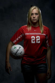 Olivia Kintigh will continue her soccer career at the University of Oklahoma. Photo: Johnny Hanson, Chronicle