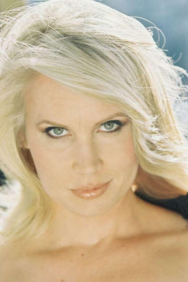 Australian singer and voice-over artist Karen Jacobsen is Garmin's GPS voice.