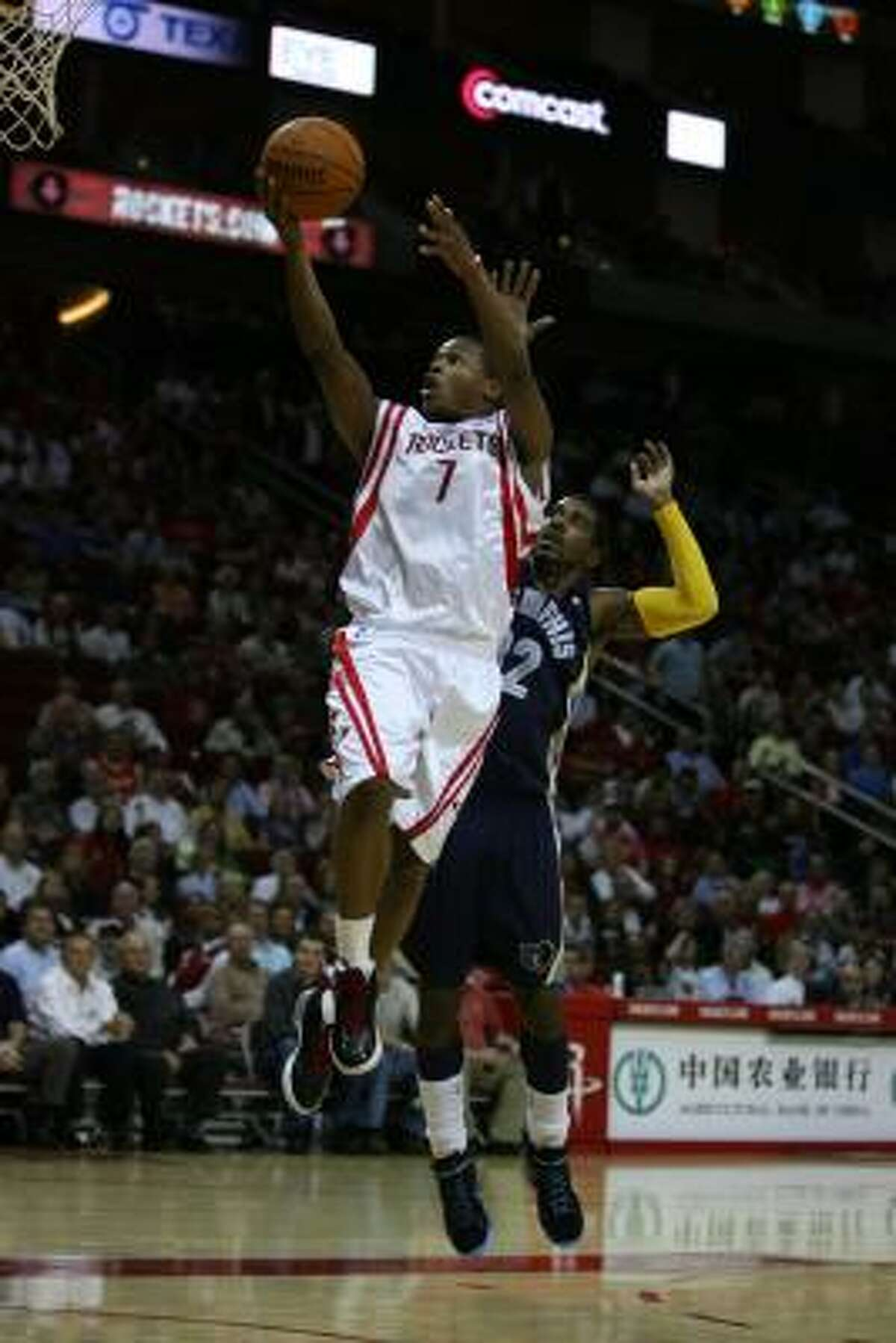 Kyle Lowry scored eight points, pulled in eight rebounds and had 10 assists.