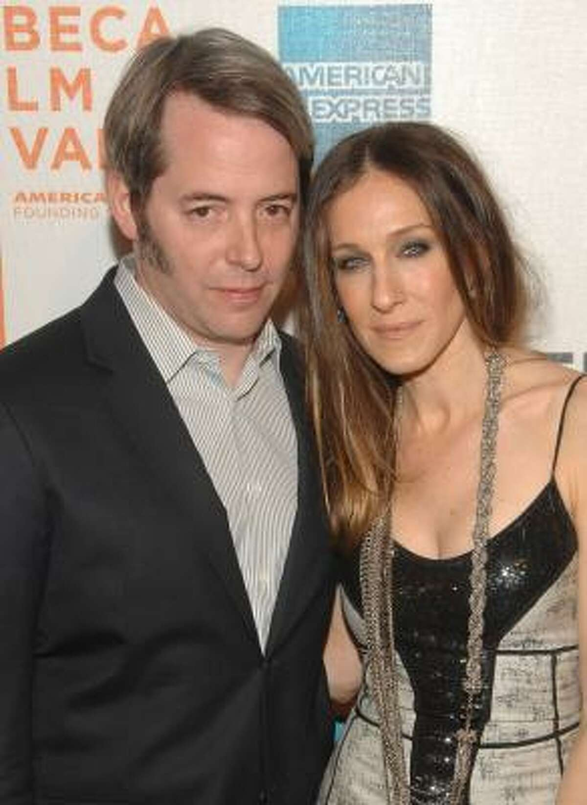 Sarah Jessica Parker and Matthew Broderick are expecting the birth of twin daughters this summer through a surrogate pregnancy.
