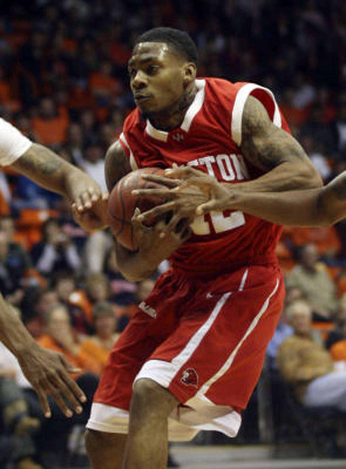 Houston guard Aubrey Coleman averages 18.4 points for the Cougars but has attempted only six 3-pointers all season.