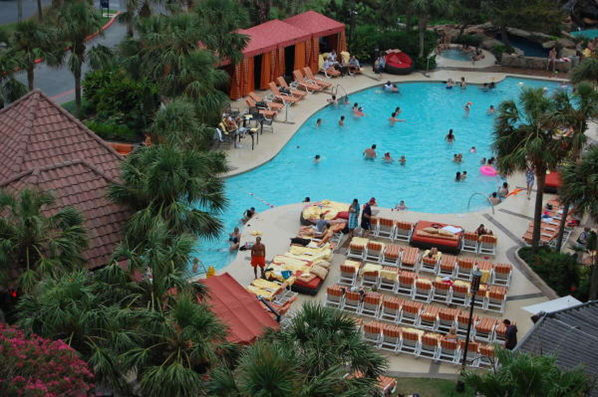 The San Luis Hotel pool and H2O Bar are popular spots.
