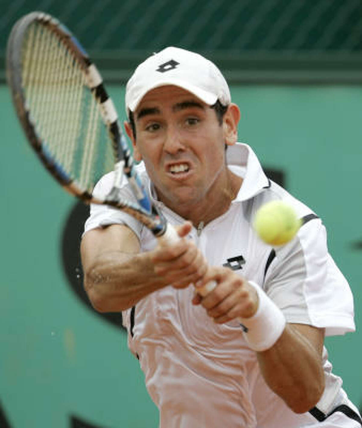 USA's 100th-ranked Wayne Odesnik advances to the semifinals of the U.S. Men's Clay Court Championships two years in a row.