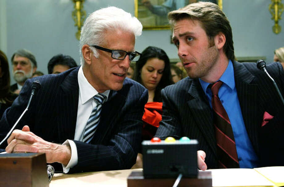 Actor Ted Danson talks to Philippe Cousteau of the Ocean Conservancy. Photo: Alex Wong, Getty Images