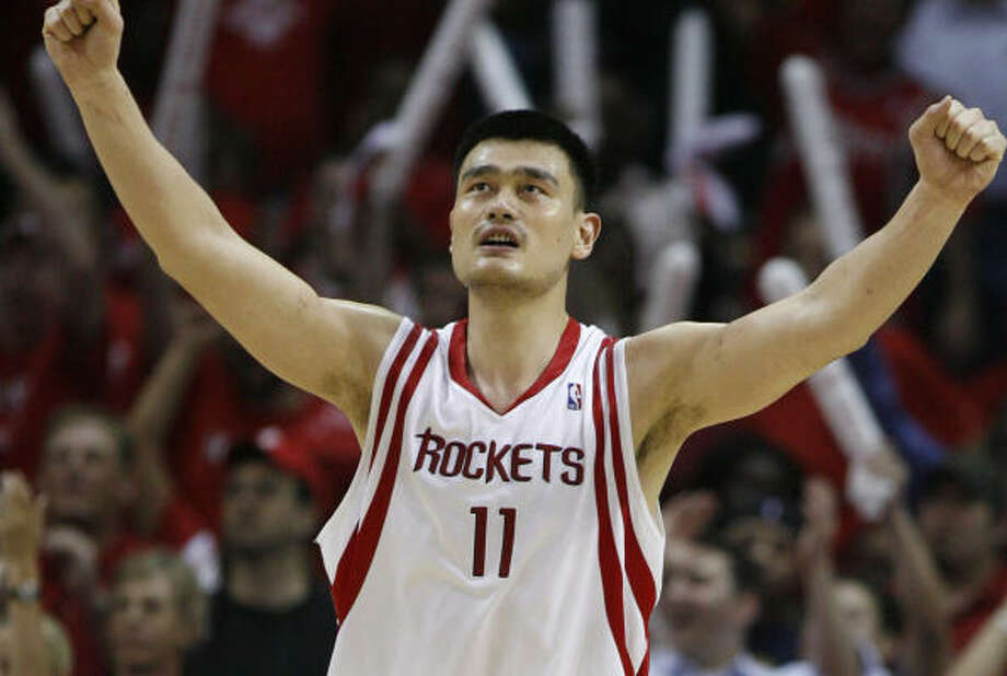 Rockets center Yao Ming scored 17 points in Thursday's series-clinching win against the Blazers. Photo: Brett Coomer, Chronicle