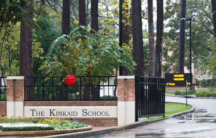A parent's letter of complaint to the exclusive prep school's board has shown up on blogs and in newspaper articles as far away as London. Photo: Nick De La Torre, Chronicle