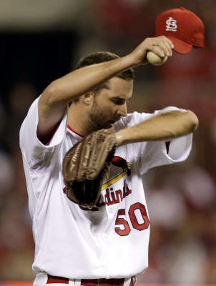 St. Louis Cardinals starting pitcher Adam Wainwright pitched eight scoreless innings against the Astros. Photo: Jeff Roberson, AP
