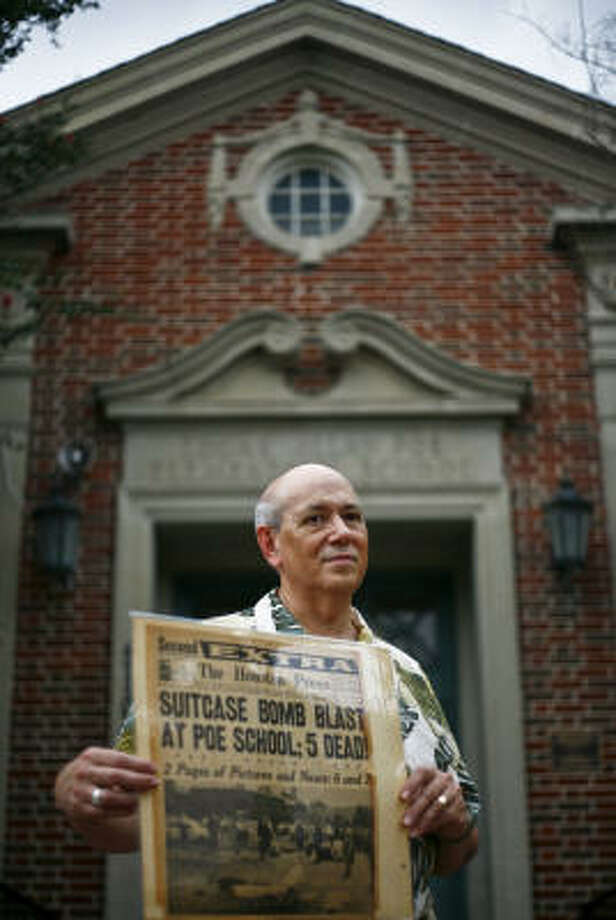 Earl Fogler returns to the school where, as a second-grader playing outside during recess, he lost his leg to the Poe Elementary blast. Photo: Michael Paulsen, Chronicle
