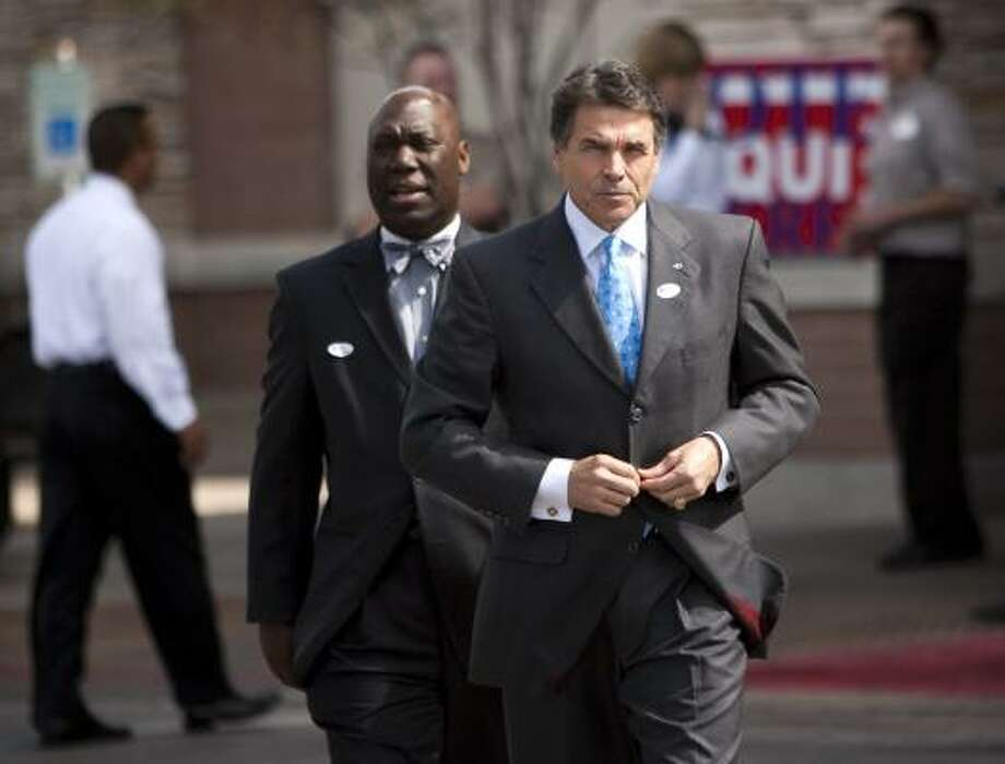 Railroad Commissioner Michael Williams tops the list of Gov. Rick Perry's potential appointees to replace U.S. Sen. Kay Bailey Hutchison, who's running against Perry in the GOP primary. Photo: Jay Janner, Austin American-Statesman