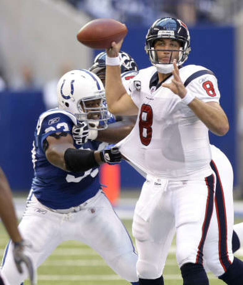 Texans quarterback Matt Schaub threw for 311 yards despite getting hit six times and sacked twice. Photo: Brett Coomer, Chronicle