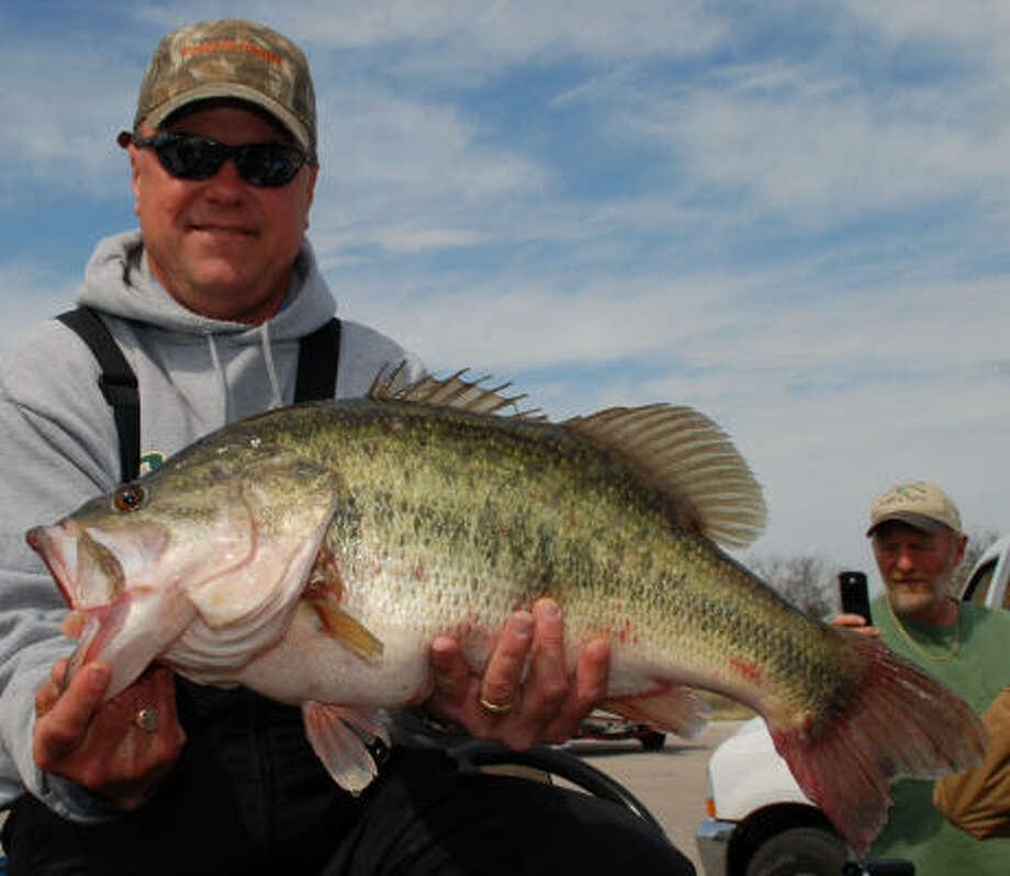 Winter great for catching biggest of largemouth bass for Bass fishing texas