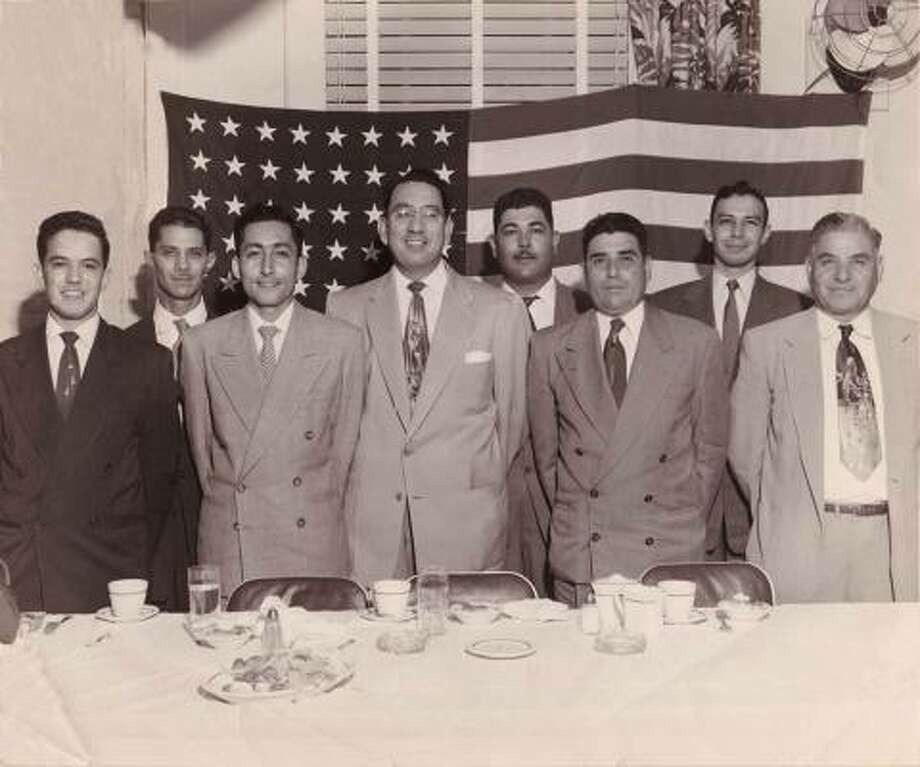 hernandez v texas Hernandez v texas, 347 us 475 (1954) was a landmark case, the first and only mexican-american civil-rights case heard and decided by the united states supreme.