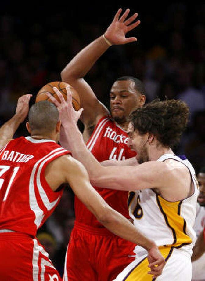 Shane Battier, left, and Chuck Hayes will form a formidable double-team as Rockets captains. Photo: Brett Coomer, Houston Chronicle
