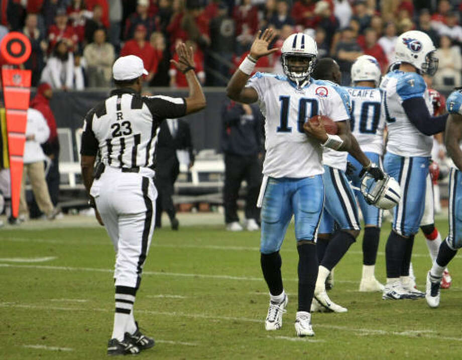 An NFL spokesman said Tuesday the gesture resulted from a misunderstanding on Vince Young's part. Photo: Stephen Dunn, Getty Images