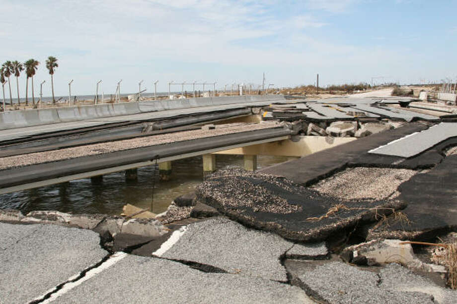 BATTERED BRIDGE: Storm surge from Hurricane Ike mangled the Highway 87 bridge over Rollover Pass on Bolivar Peninsula. The cost of repairing and maintaining the vulnerable span is among the reasons some state and local officials are calling for the artificial pass between East Galveston Bay and the Gulf of Mexico to be closed. Photo: Shannon Tompkins, Chronicle