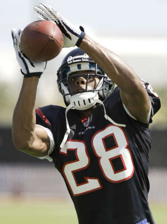 As a third-round pick from Eastern Kentucky in 2008, Antwaun Molden excelled on special teams in the first 14 games of the season, making 19 tackles. Photo: Brett Coomer, Houston Chronicle