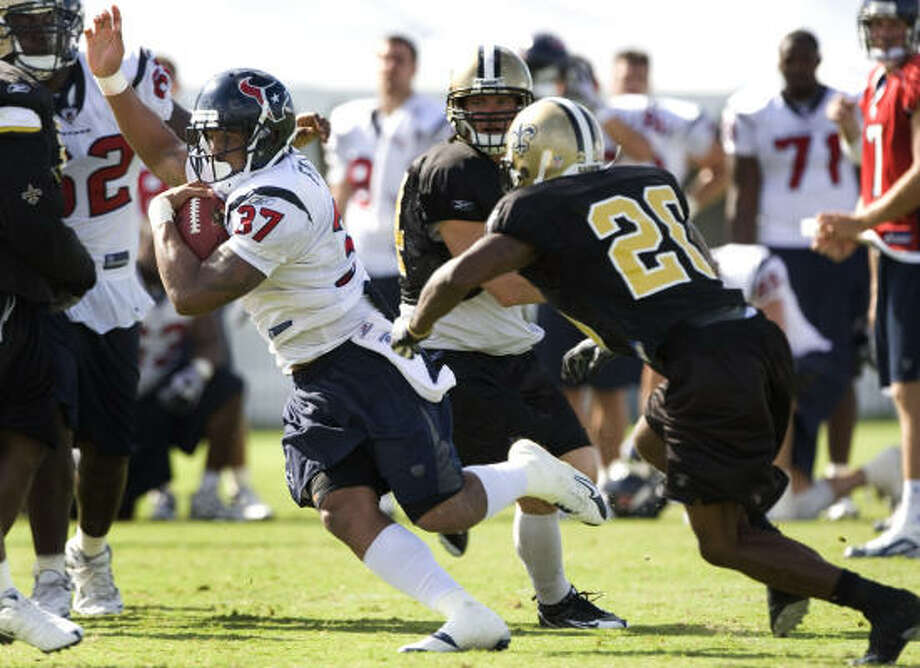 Rookie running back Arian Foster will try to rejuvenate the Texans' 29th-ranked running game. Photo: Brett Coomer, Houston Chronicle