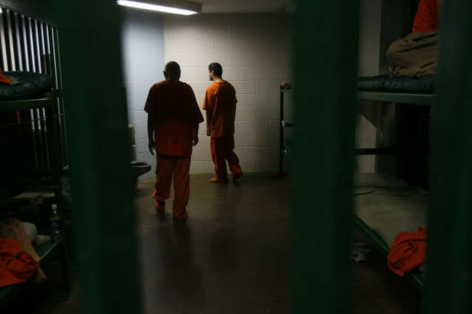 The Justice Department found that prisoners' constitutional rights are violated because of poor health care and other problems at the Harris County Jail. Photo: Mayra Beltran, Chronicle