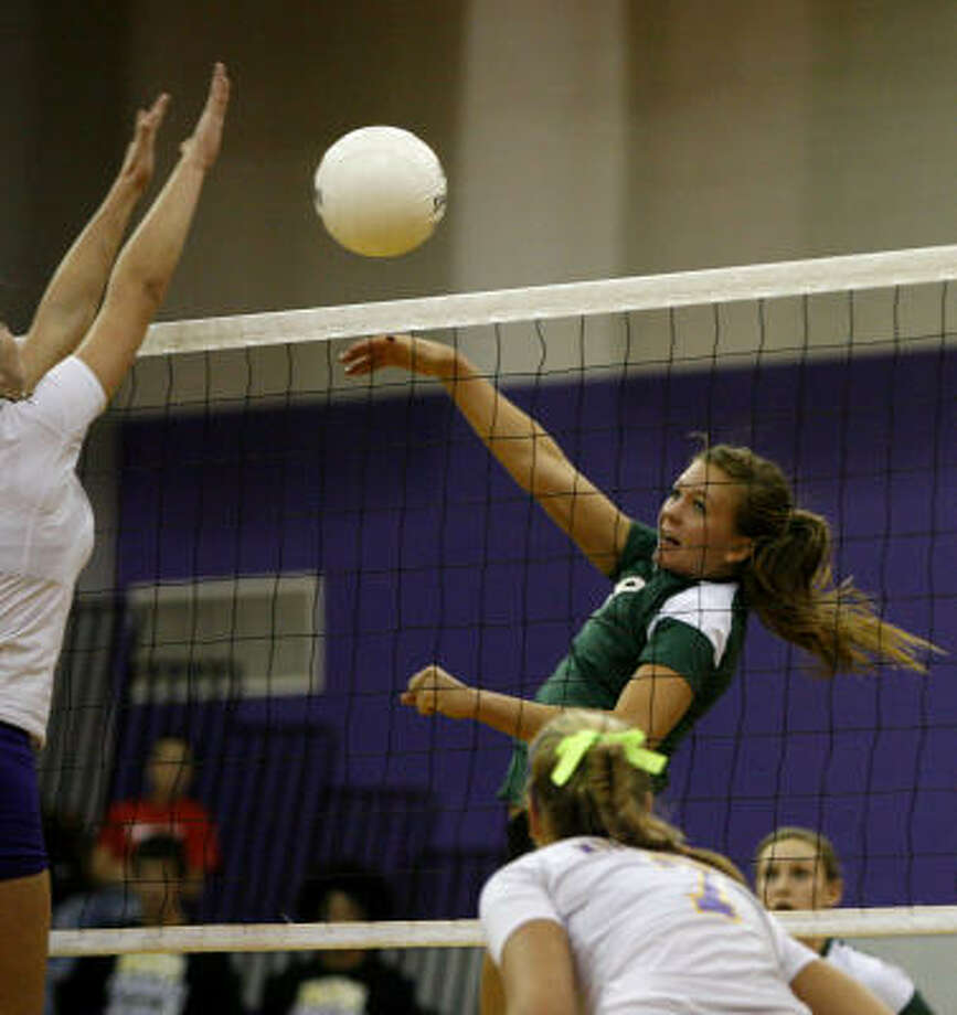 At the state tournament, Caroline Young had eight kills and three aces in a win over Richardson Pearce in the semifinals. In the loss to Canyon Randall in the state final, Young had 10 kills and three aces. Photo: Karen Warren, Chronicle