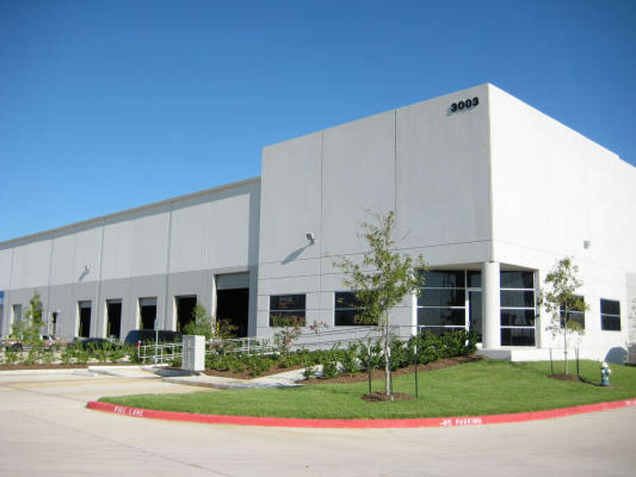 CLOSE TO THE PORT: Transwestern's Houston office has completed a 122,634-square-foot lease at Port 225 for Hagemeyer North America, bringing occupancy to over 93 percent. Photo: Transwestern