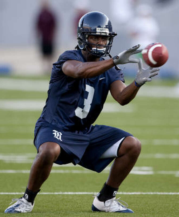 Receiver Toren Dixon will be one of the primary targets for whichever Rice quarterback leads the offense. Photo: Bob Levey, For The Chronicle