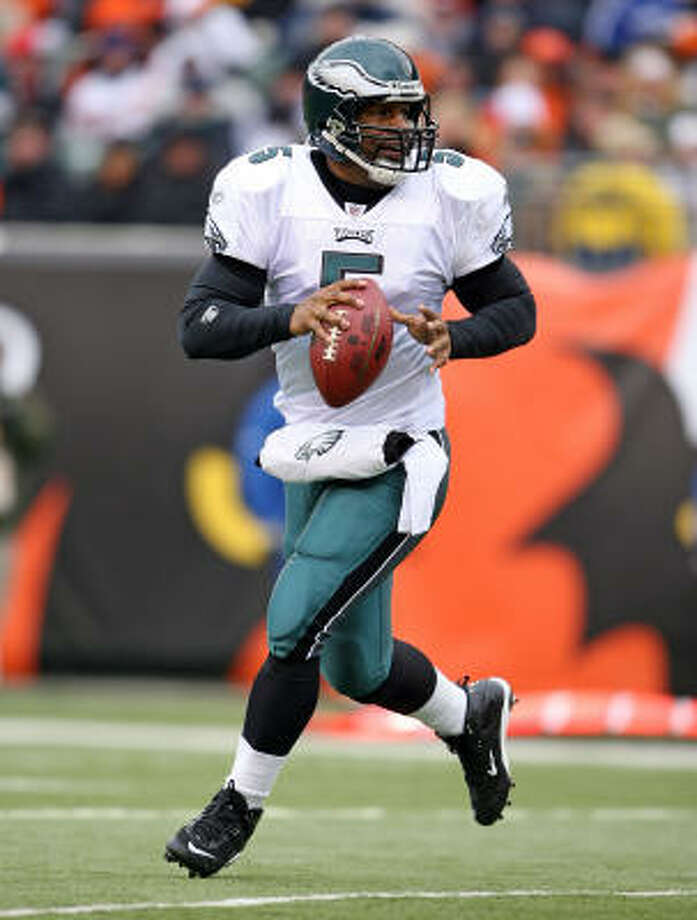 Donovan McNabb and the Philadelphia Eagles face Eli Manning and the New York Giants for the third time this season on Sunday. Photo: Andy Lyons, Getty Images