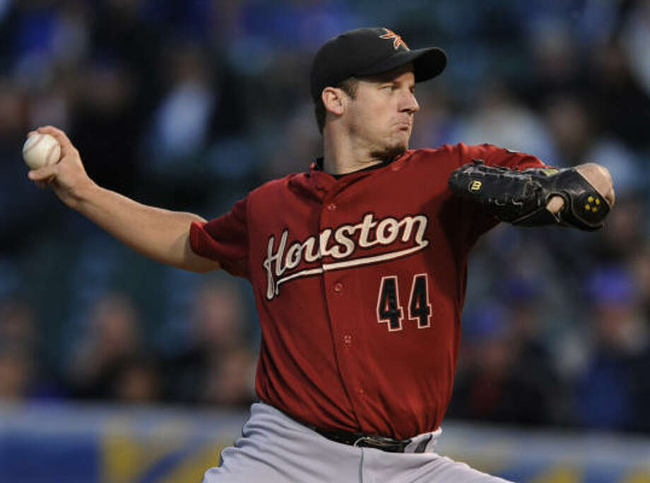 Roy Oswalt allowed two runs in his seven innings of work Monday night at Wrigley Field. Photo: Paul Beaty, AP