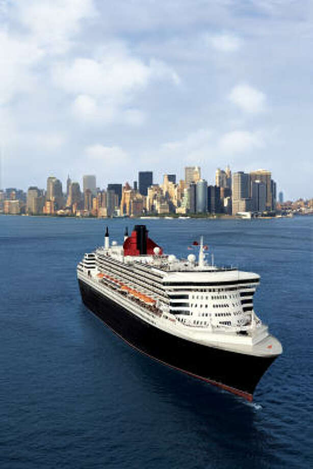 The Queen Mary 2 departs New York for Red Hook Cruise Terminal Brooklyn, New York. Photo: Michel Verdure, Cunard Line