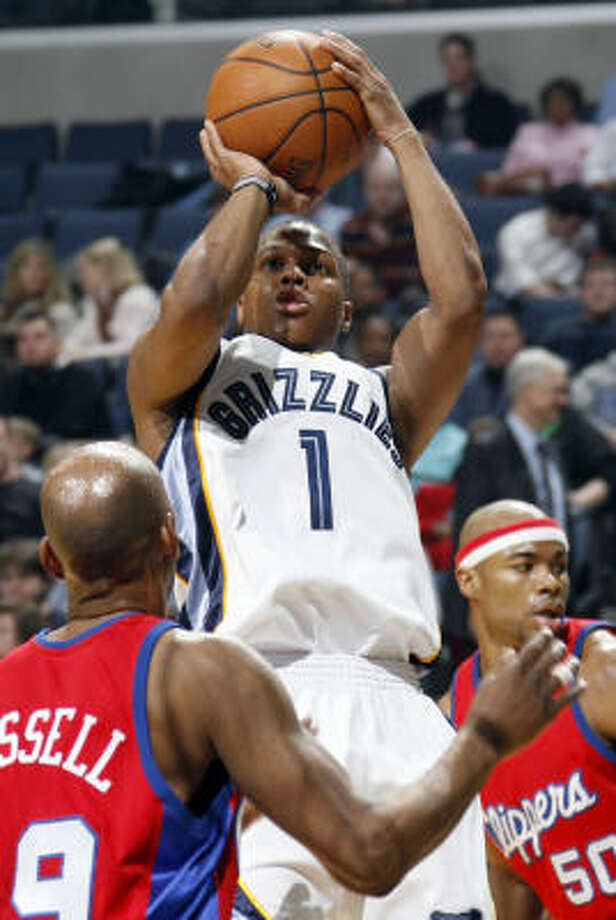 Rockets fans will have to trust GM Daryl Morey with his trade of starting point guard Rafer Alston for Grizzlies backup guard Kyle Lowry, Richard Justice writes. Photo: Nikki Boertman, AP