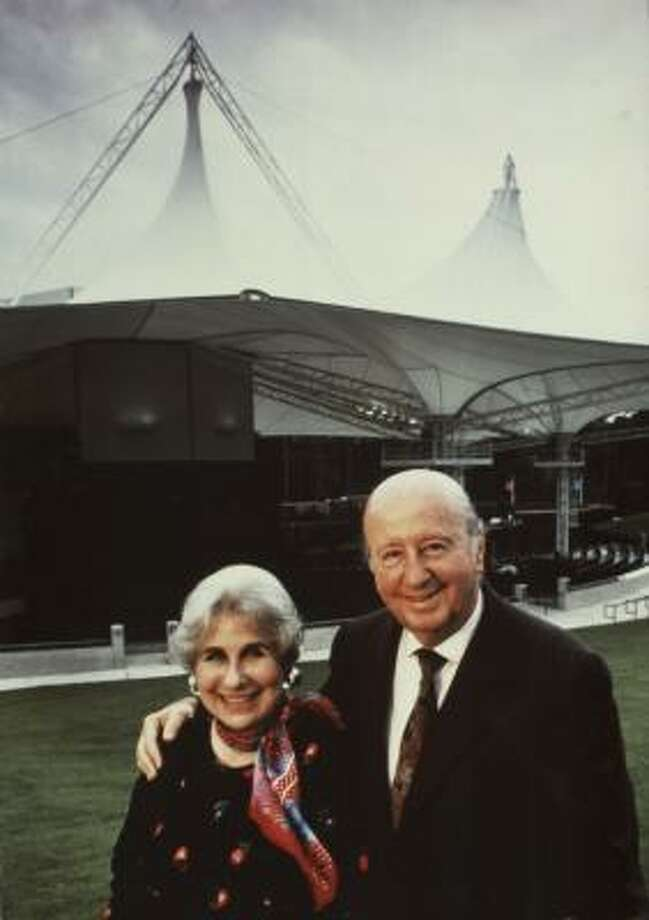 George and Cynthia Woods Mitchell opened her namesake pavilion in 1990. Photo: Mitchell Archive