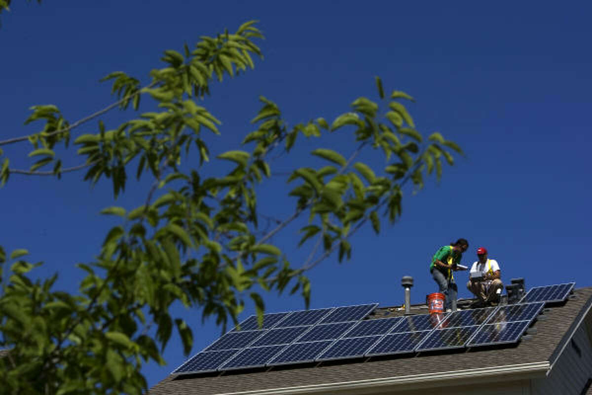 A solar power system for a 2,100-square-foot house costs about $25,500, by some estimates. Solar proponents say lowering homeowners' out-of-pocket costs to around $10,000 could trigger a boom in for the solar industry in Texas.