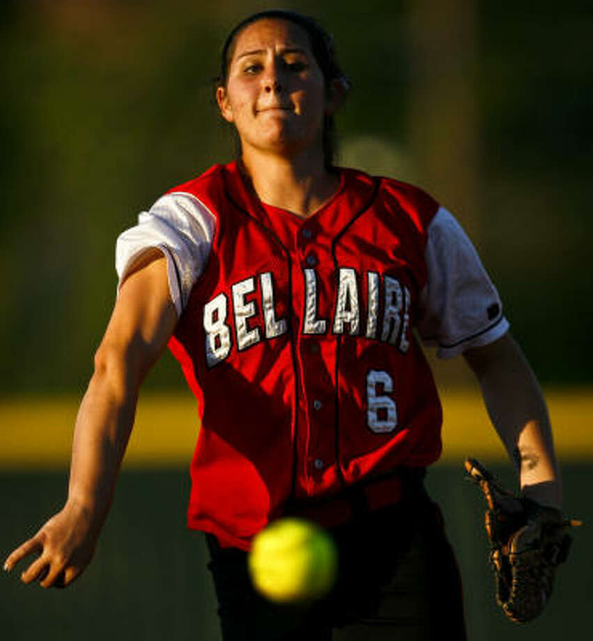 Bellaire's Kat Espinosa struck out 14 on Tuesday night. Photo: Michael Paulsen, Chronicle