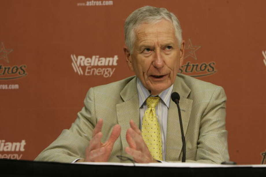 Astros owner Drayton McLane expressed his support for Jim Crane's purchase of a major league team. Photo: Julio Cortez, Chronicle