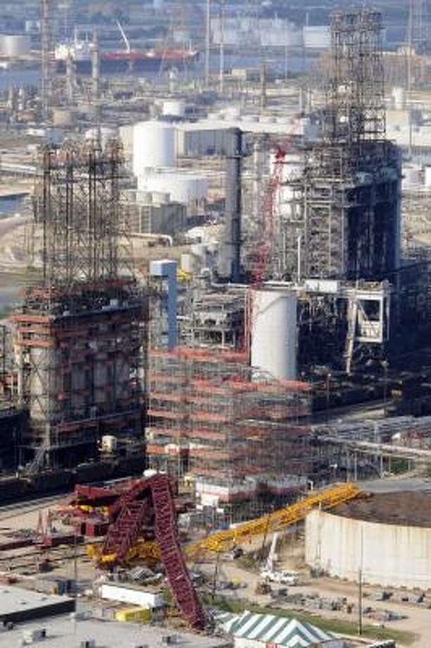LyondellBasell has reviewed the July accident to determine why it occurred and how it could be prevented from happening again in the industry. Photo: Steve Ueckert |, Chronicle