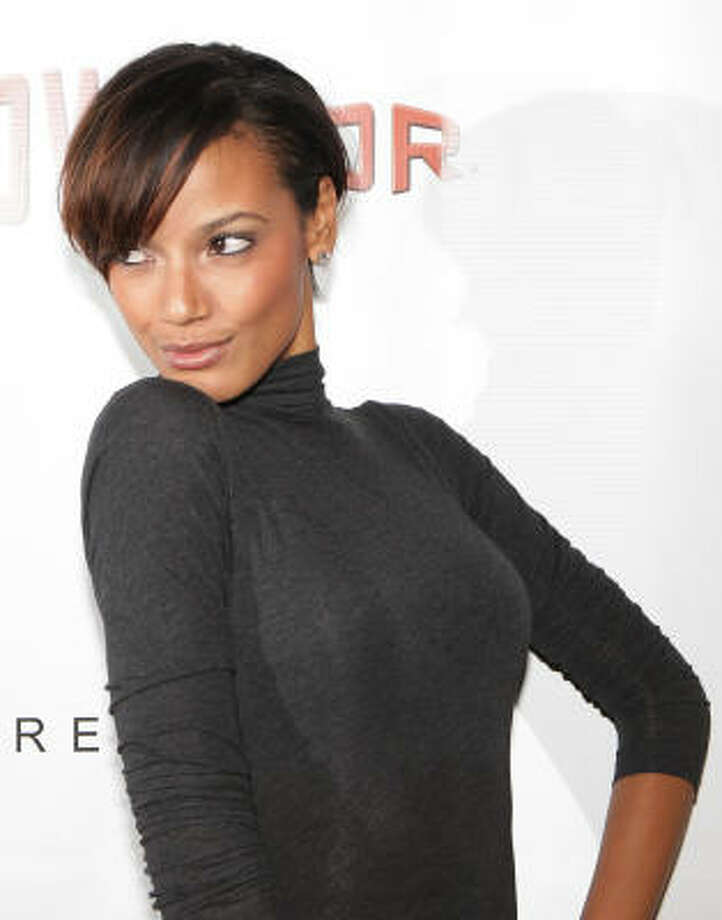 Victoria's Secret Model Selita Ebanks shows off wispy side bangs. Photo: Mike Stobe, Getty Images For The USBC