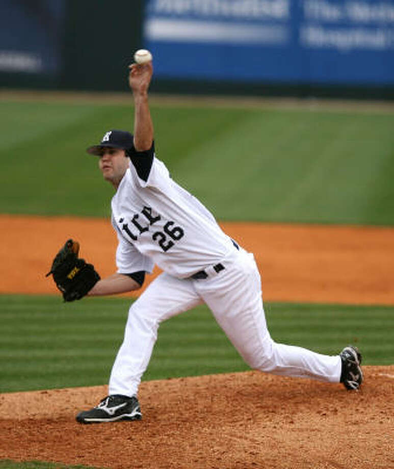 Freshman Taylor Wall blanked Marshall on three hits, striking out five. Photo: Billy Smith II, Houston Chronicle