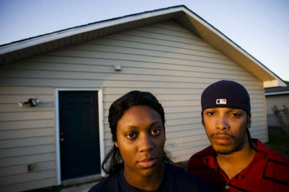 Jerry Morgan and wife, Janeen McGee-Morgan, are disappointed that neighbors haven't bonded together. Photo: Eric Kayne, Chronicle