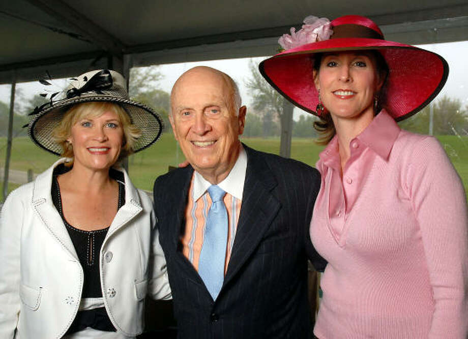 """Kelli Blanton, left, and Phoebe Tudor chaired the second annual """"Hats on the Green"""" luncheon benefiting the Hermann Park Conservancy and honoring Jack Blanton Sr. with the Bob and Elyse Lanier Award. Photo: Dave Rossman, For The Chronicle"""