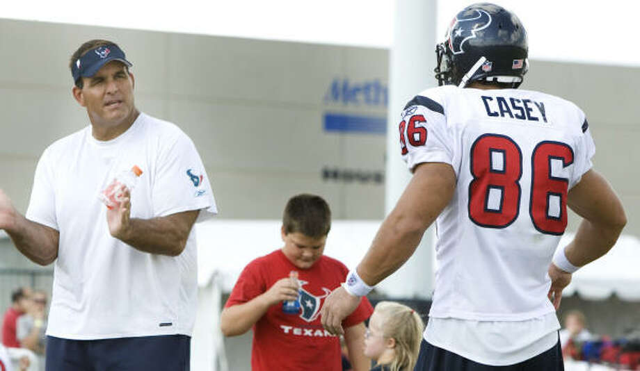 James Casey, the fifth-round pick from Rice, has played tight end since reporting for the Texans' offseason program. Photo: Brett Coomer, Chronicle