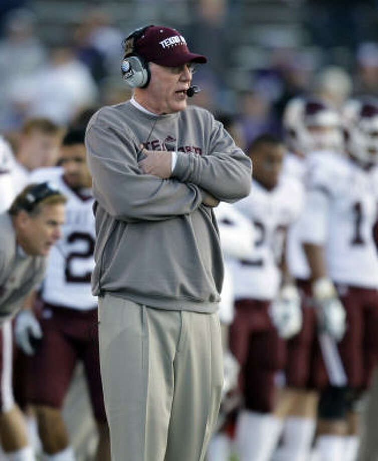 Texas A&M defensive coordinator Joe Kines could be coaching his final game in the Independence Bowl. Photo: Charlie Riedel, AP