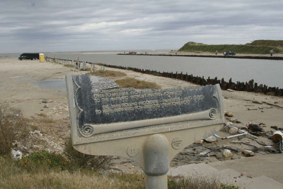 Remains of the Hurricane Ike-damaged state historical marker at Rollover Pass on Bolivar Peninsula overlook the controversy-plagued channel between East Galveston Bay and the Gulf of Mexico. Photo: Shannon Tompkins, Chronicle