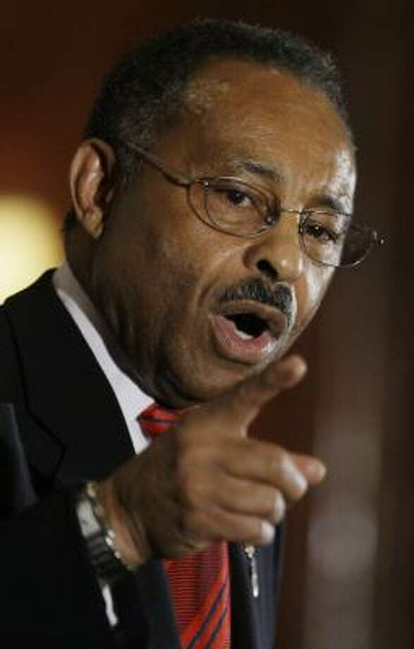 Sen. Roland Burris, D-Ill., has been under fire since his appointment by Rod Blagojevich. Photo: M. Spencer Green, Associated Press