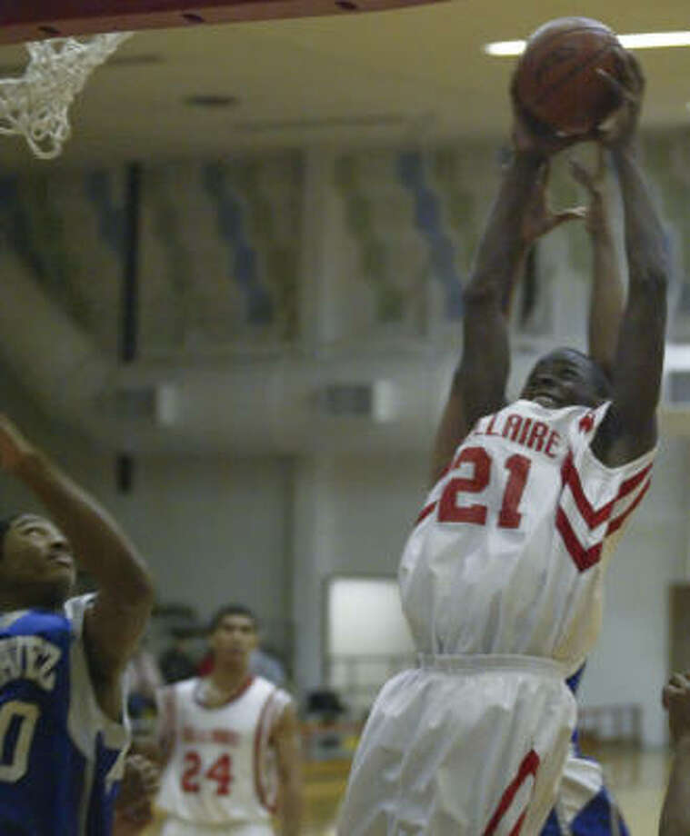 Bellaire forward Tobi Oyedeji averaged 15 points and 12 rebounds last year as a junior. Photo: Matthew White, For The Chronicle