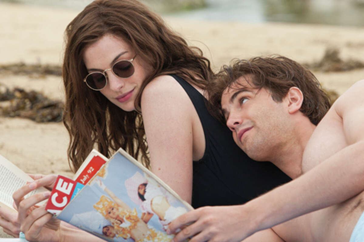 Anne Hathaway as Emma and Jim Sturgess as Dexter in
